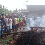 Rumah Warga Ludes Terbakar. Pemdes Bayemgede – Bojonegoro Akan Segera Buatkan Rumah Baru.